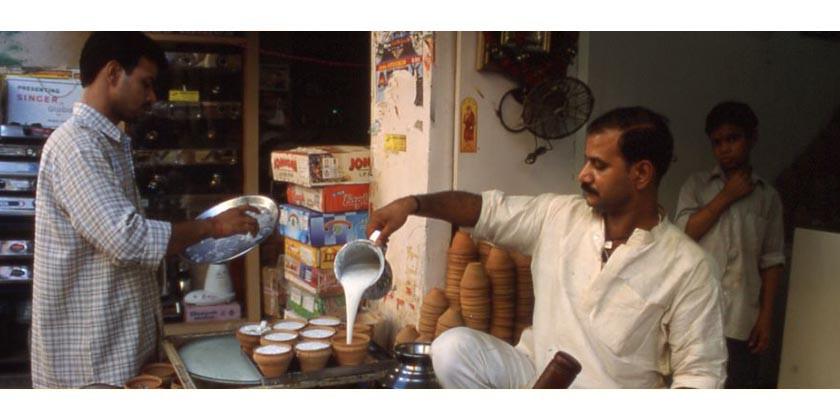 Lassi Rezept: Ayurvedischen Joghurt Drink selber machen